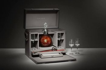 Louis-XIII-L'Odyssée-d'un-Roi-Hermès-leather-trunk-1